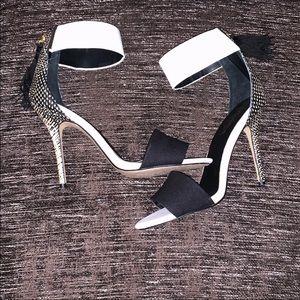 NWOT Kendall & Kyle Madden Girl amazing heels